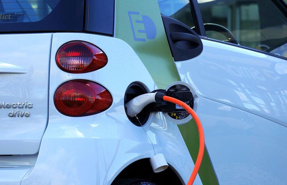 Qui peut installer une borne de recharge voiture électrique ?